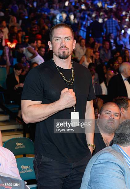 Actor Steve Howey attends the 'High Stakes Mayweather v Berto' fight presented by Showtime at MGM Grand Garden Arena on September 12 2015 in Las...
