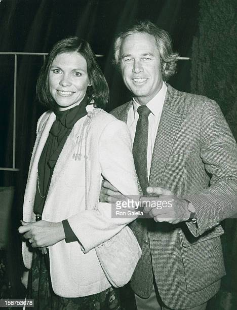 Actor Steve Kanaly and wife Brent Power attend the grand opening of GreggJuarez Gallery on April 14 1982 in Los Angeles California