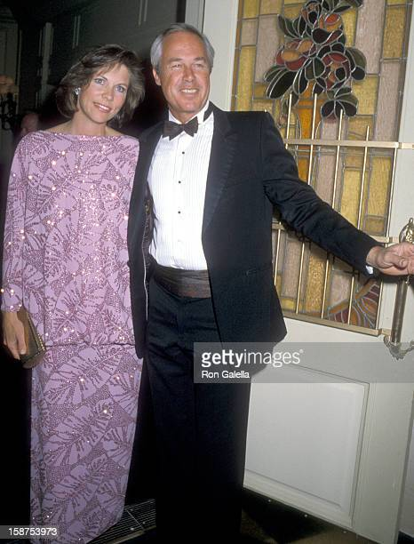 Actor Steve Kanaly and wife Brent Power attends the Dallas Cast Party on November 16 1986 at Perino's Restaurant in Los Angeles California