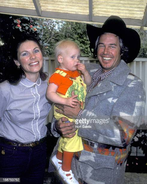 Actor Steve Kanaly wife Brent Power and daughter Quinn Kanaly on March 10 1980 pose for photographs at an exlusive photo session at Steve Kanaly's...