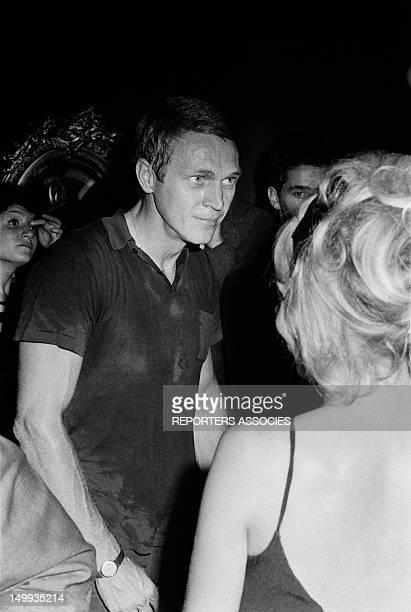 Actor Steve McQueen dancing in Paris on September 17 1964 in Paris France