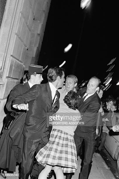 Actor Steve McQueen in Paris with his wife Neile Adams on September 17 1964 in Paris France