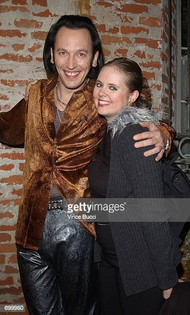 Actor Steve Valentine and his wife Shari attend the premiere of the film 40 Days and 40 Nights February 20 2002 in Los Angeles CA