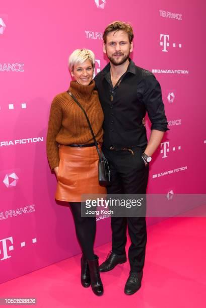 Actor Steve Windolf and wife actress Kerstin Landsmann attend the DeutschLesLandes MagentaTV premiere at Haus der Kunst on October 23 2018 in Munich...