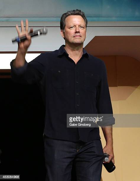 Actor Steven Culp arrives on stage for the 'Creation CloseUp Enterprise The Xindi Saga' panel at the 13th annual Star Trek convention at the Rio...