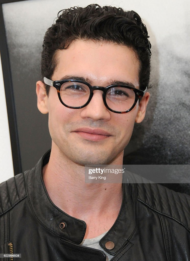 Actor Steven Strait attends 'Hindsight is 30/40 - A Group Photographer Exhibition' at The Salon at Automatic Sweat on November 12, 2016 in Los Angeles, California.