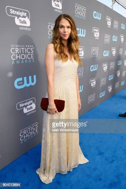 Actor Sutton Foster attends The 23rd Annual Critics' Choice Awards at Barker Hangar on January 11 2018 in Santa Monica California