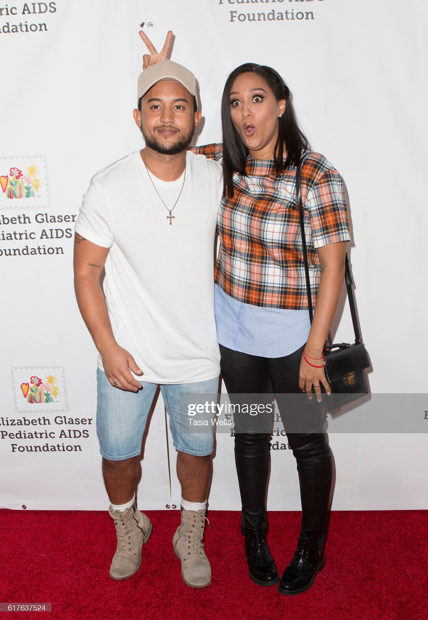 ¿Cuánto mide Tamera Mowry? - Altura - Real height Actor-tahj-mowry-and-actress-tia-mowry-attend-elizabeth-glaser-aids-picture-id617637524?s=2048x2048