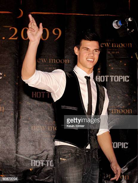 Actor Taylor Lautner appears onstage at Summit's The Twilight Saga New Moon Cast Tour at Hollywood and Highland on November 6 2009 in Los Angeles...