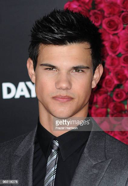 """Actor Taylor Lautner arrives at the premiere of New Line Cinema's """"Valentine's Day"""" held at Grauman�s Chinese Theatre on February 8, 2010 in..."""