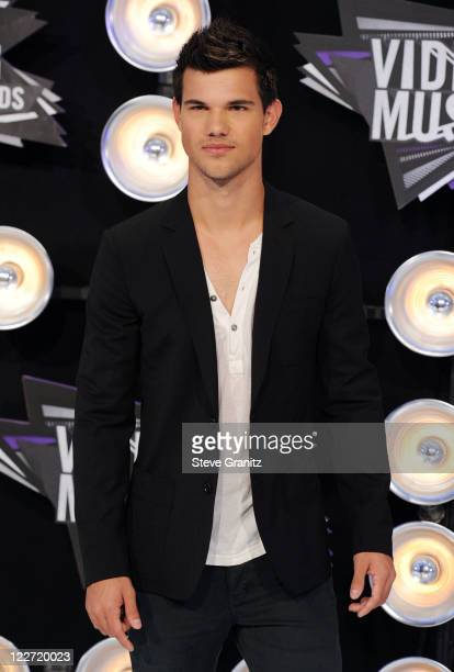Actor Taylor Lautner arrives at the The 28th Annual MTV Video Music Awards at Nokia Theatre LA LIVE on August 28 2011 in Los Angeles California