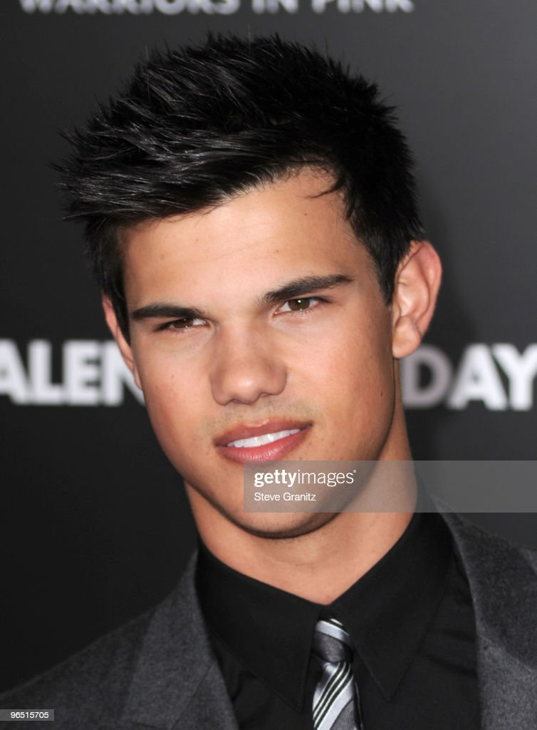Actor Taylor Lautner arrives at the 'Valentine's Day' Los Angeles premiere held at Grauman's Chinese Theatre on February 8, 2010 in Hollywood, California.