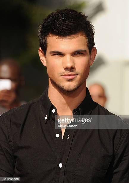 Actor Taylor Lautner attends the Kristen Stewart Robert Pattinson and Taylor Lautner Hand and Footprint Ceremony at Grauman's Chinese Theatre on...