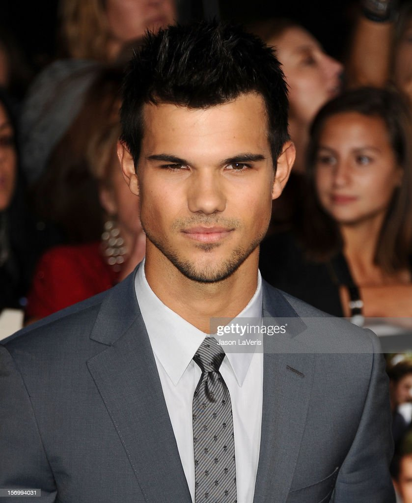 Actor Taylor Lautner attends the premiere of 'The Twilight Saga: Breaking Dawn - Part 2' at Nokia Theatre L.A. Live on November 12, 2012 in Los Angeles, California.