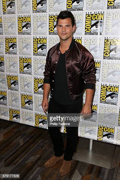 Actor Taylor Lautner attends the 'Scream Queen' press line during ComicCon International 2016 on July 22 2016 in San Diego California