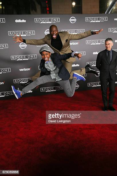 Actor Terry Crews and son Isaiah Crews arrive at the premiere of Walt Disney Pictures and Lucasfilm's Rogue One A Star Wars Story at the Pantages...