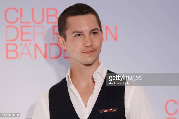 Actor Tim Oliver Schultz attends 'Club der roten Baender' photocall at Astor Film Lounge on October 18 2017 in Cologne Germany