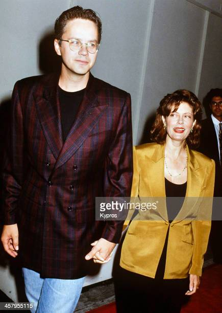 Actor Tim Robbins and his partner, actress Susan Sarandon attend the premiere of 'Bob Roberts' on September 1st 1992 at the Writer's Guild Theater in...