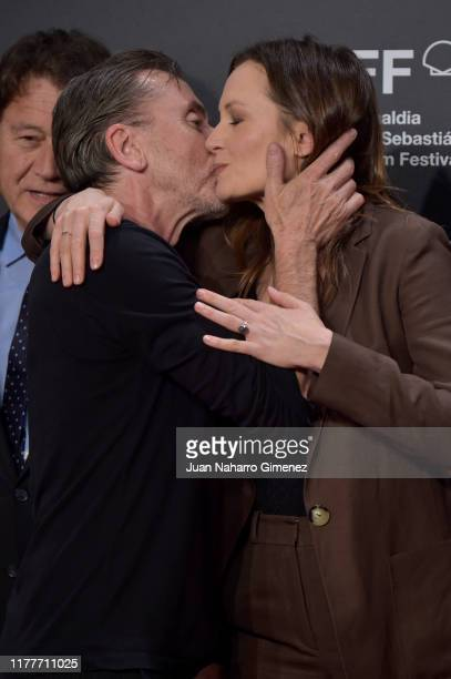 Actor Tim Roth and actress Catherine McCormack attends the red carpet on the closure day of 67th San Sebastian International Film Festival on...
