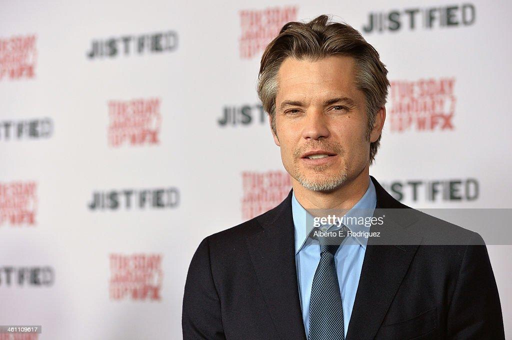 """Premiere Screening Of FX's """"Justified"""" Season 5 - Arrivals : Nachrichtenfoto"""
