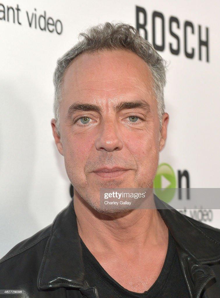 "Red Carpet Premiere Screening For Amazon's First Original Drama Series, ""Bosch"" : Foto jornalística"