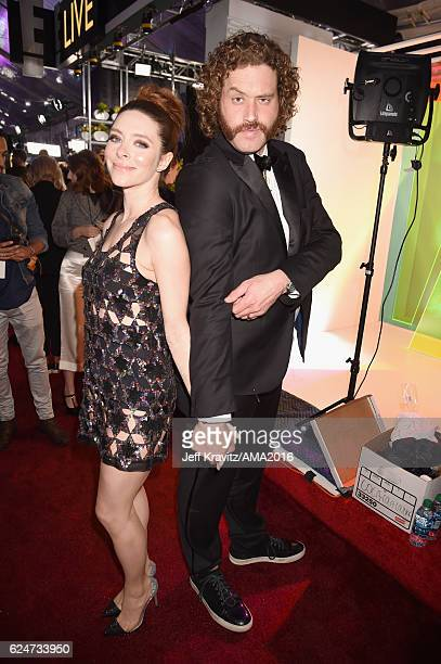 Actor T.J. Miller and Kate Gorney attend the 2016 American Music Awards at Microsoft Theater on November 20, 2016 in Los Angeles, California.