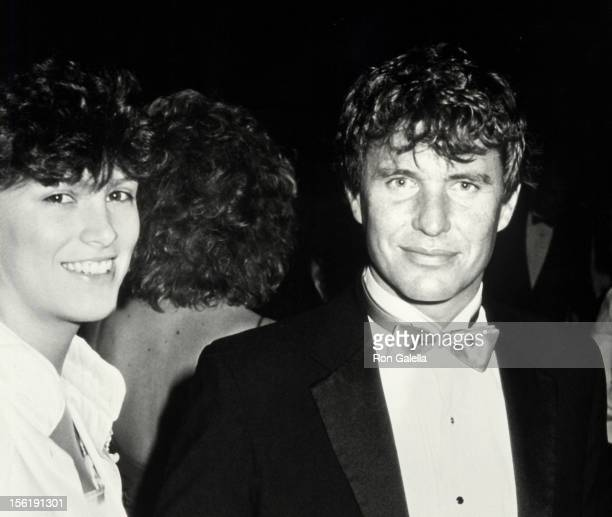 Actor Tom Berenger and wife Lisa Williams attending 39th Annual Director's Guild of America Awards on March 7 1987 at Sheraton Premiere Hotel in Los...