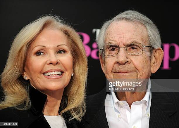 Actor Tom Bosley and his wife actress Patricia Carr arrive at the premiere of The Backup Plan in Westwood California on April 21 2010 AFP PHOTO /...