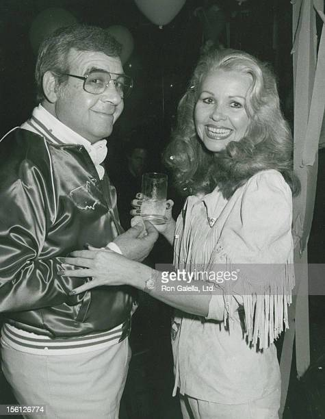 Actor Tom Bosley and wife Patricia Carr attending 'Debbie Reynolds Birthday Party For Rip Taylor' on January 13 1981 at the Daisy Restaurant in Los...