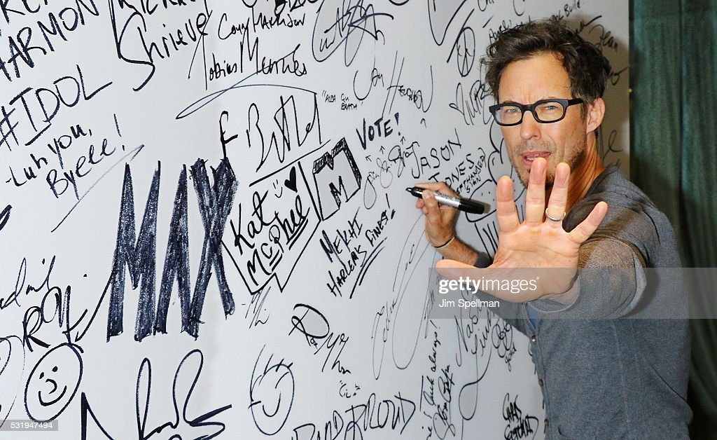 Actor Tom Cavanagh Visits AOL Build