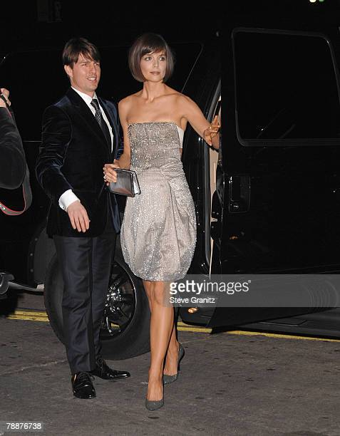 """Actor Tom Cruise and Actress Katie Holmes arrive at the """"Mad Money""""premiere at Mann Village Theater on January 9, 2008 in Westwood, California."""
