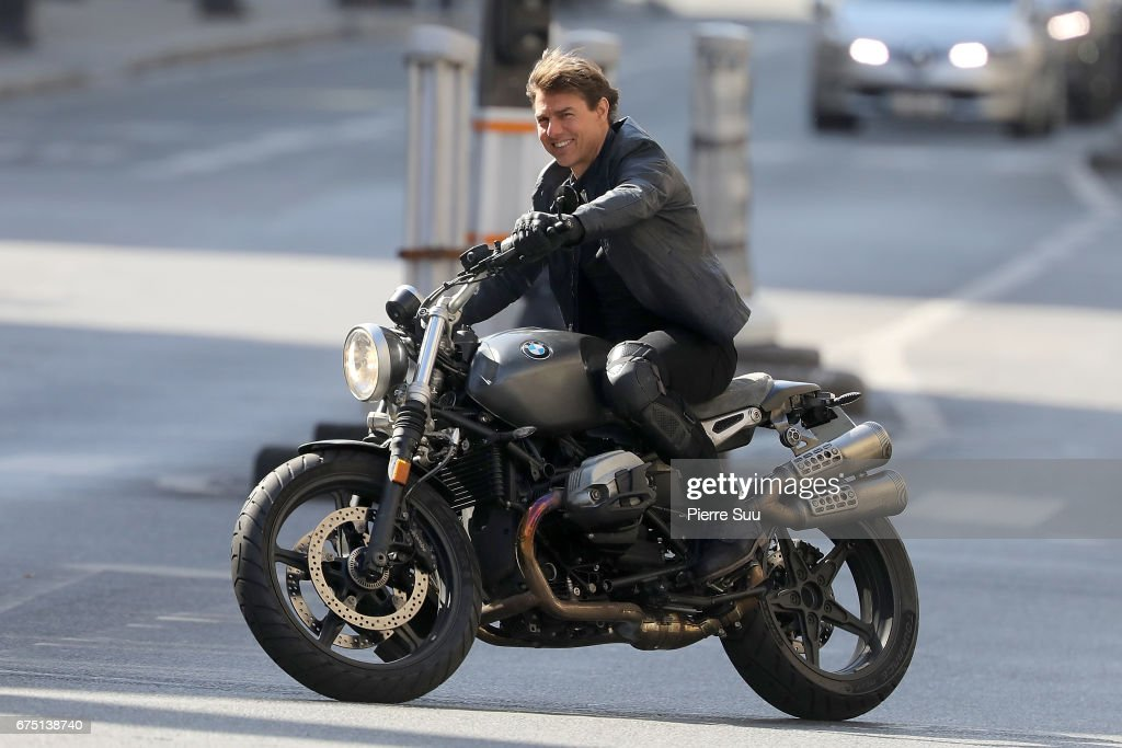 Fotos Und Bilder Von Tom Cruise On The Set Of Mission Impossible 6 Gemini In Paris Getty Images