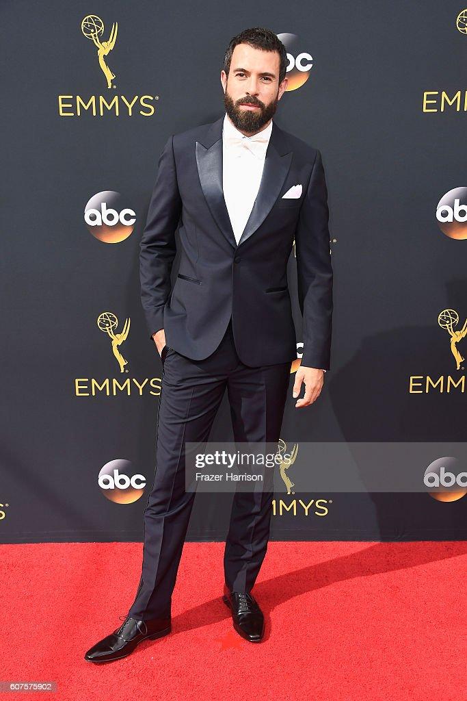 68th Annual Primetime Emmy Awards - Arrivals : ニュース写真