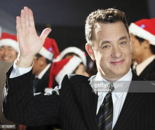 13 Tom Hanks Promotes The Polar Express In Tokyo Photos And Premium High Res Pictures Getty Images