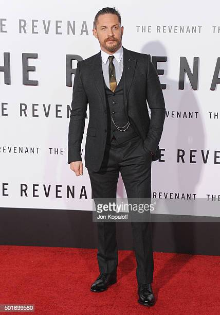 """Actor Tom Hardy arrives at the Los Angeles Premiere """"The Revenant"""" at TCL Chinese Theatre on December 16, 2015 in Hollywood, California."""