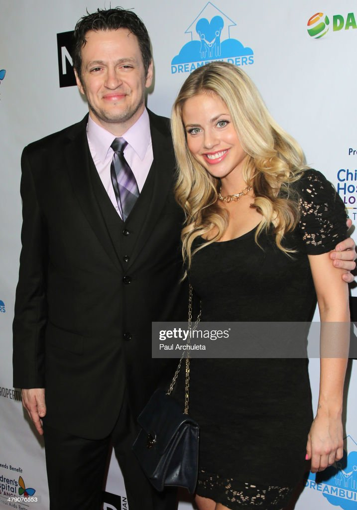 Actor Tom Malloy (L) attends the Dream Builders project's 'A Brighter Future For Children' benefit at H.O.M.E. on March 15, 2014 in Beverly Hills, California.