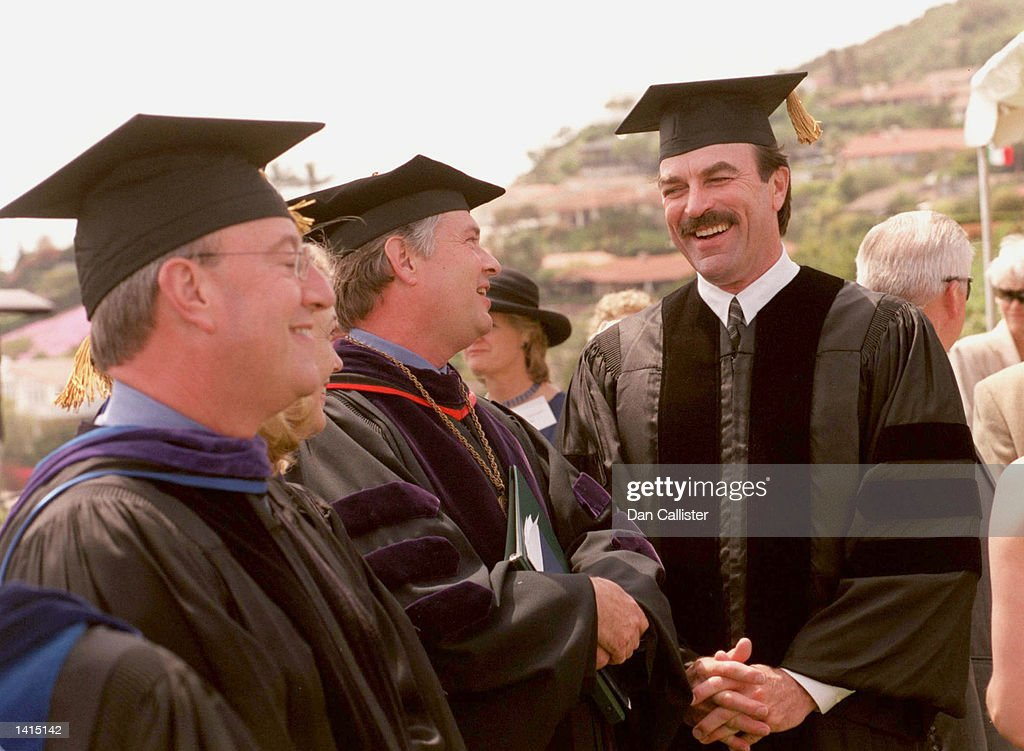 TOM SELLECK RECIEVES DOCTORATE OF LAW : News Photo