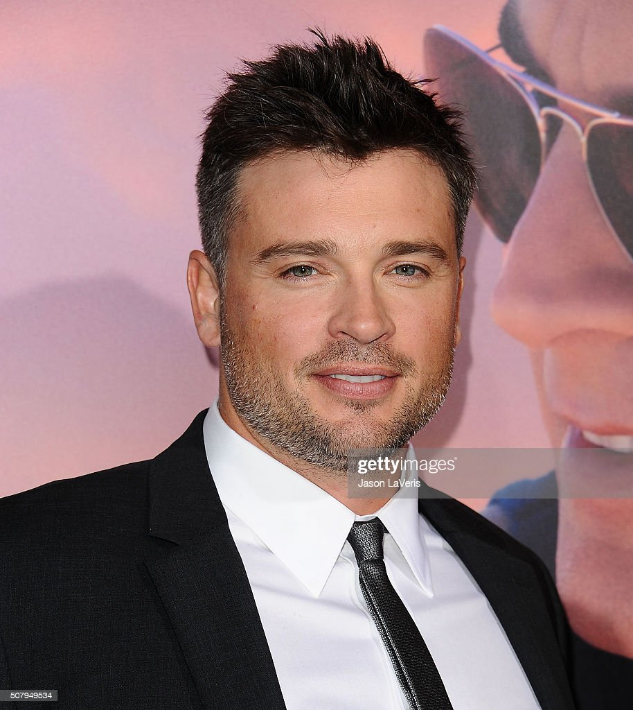 Actor Tom Welling attends the premiere of 'The Choice' at ArcLight Cinemas on February 1, 2016 in Hollywood, California.