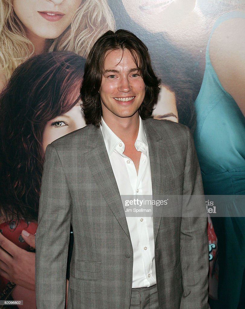 Actor Tom Wisdom attends the premiere of