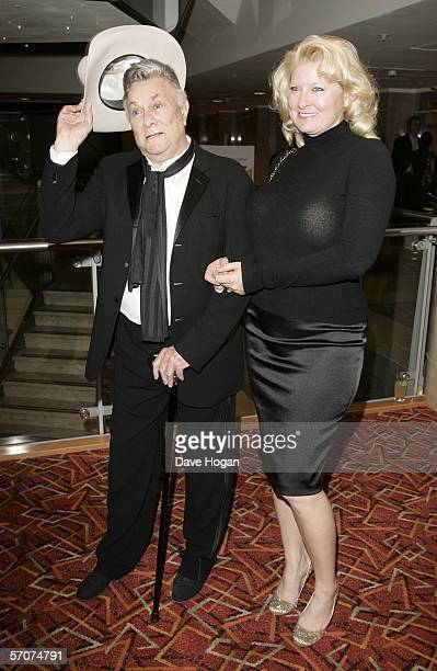 Actor Tony Curtis and his wife Jill Vandenberg Curtis arrive at the Sony Ericsson Empire Film Awards 2006, the annual awards show voted for by the...