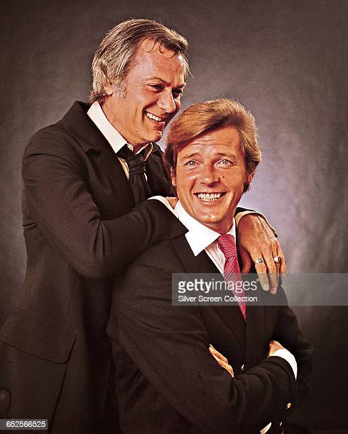 Actor Tony Curtis as Danny Wilde and Roger Moore as Lord Brett Sinclair in the television series 'The Persuaders' circa 1971