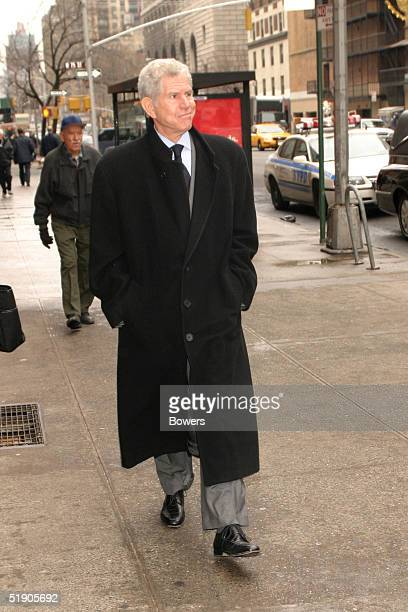 Actor Tony Roberts attends the funeral for Jerry Orbach at Riverside Chapel December 31 2004 in New York City