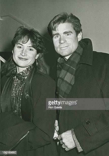 Actor Treat Williams and wife Pam Van Sant attending the premiere of 'Waiting For Godot' on November 2 1988 at the Mitzi Newhouse Theater at Lincoln...