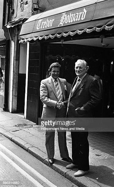 """Actor Trevor Howard with Paul Reid Managing Director of """"Trevor Howard"""" Mens' shop, Duke Lane, Dublin, ."""