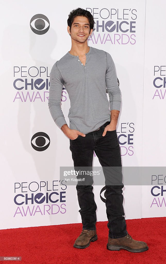 Actor Tyler Posey arrives at People's Choice Awards 2016 at Microsoft Theater on January 6, 2016 in Los Angeles, California.