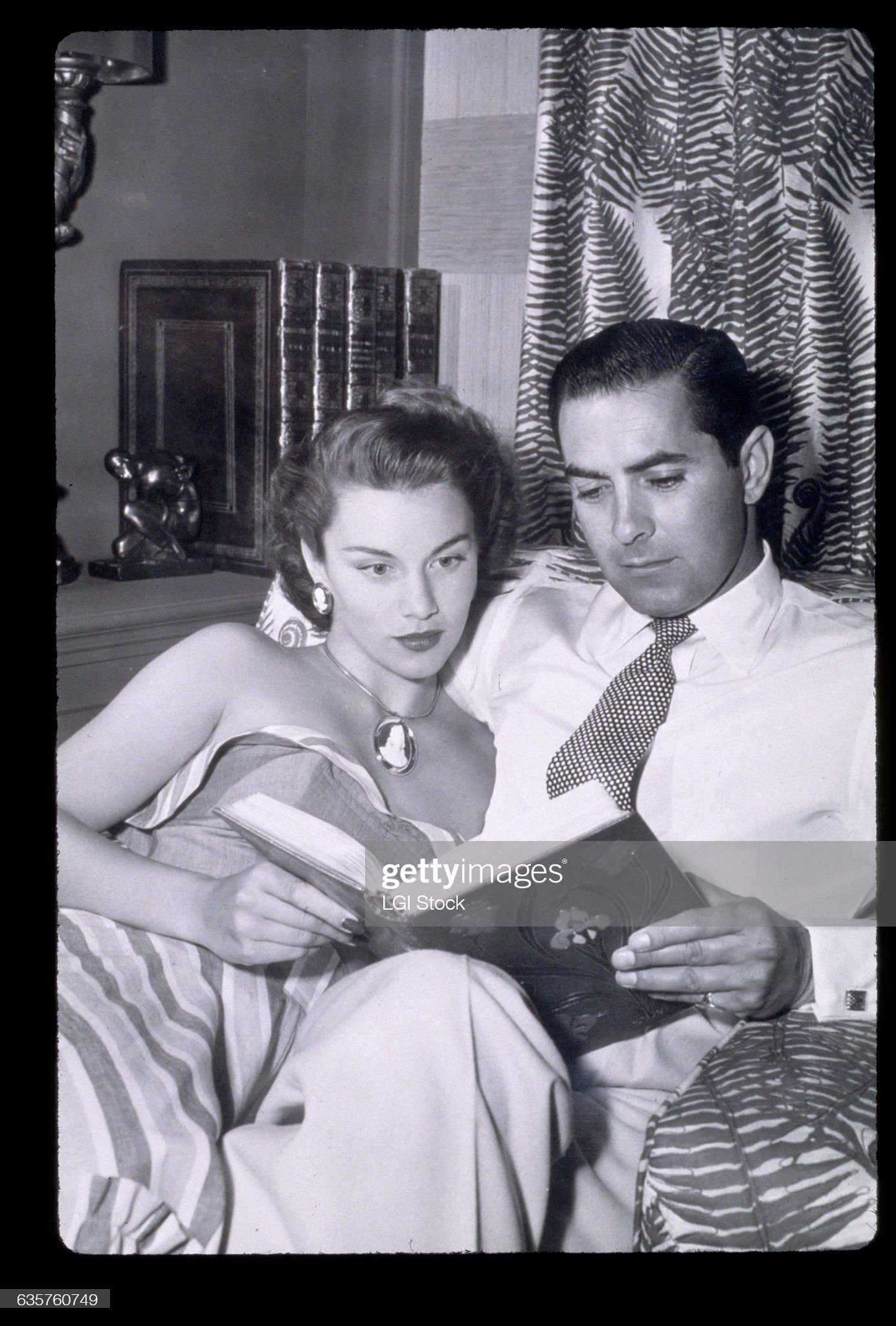 actor-tyrone-power-and-his-wife-actress-