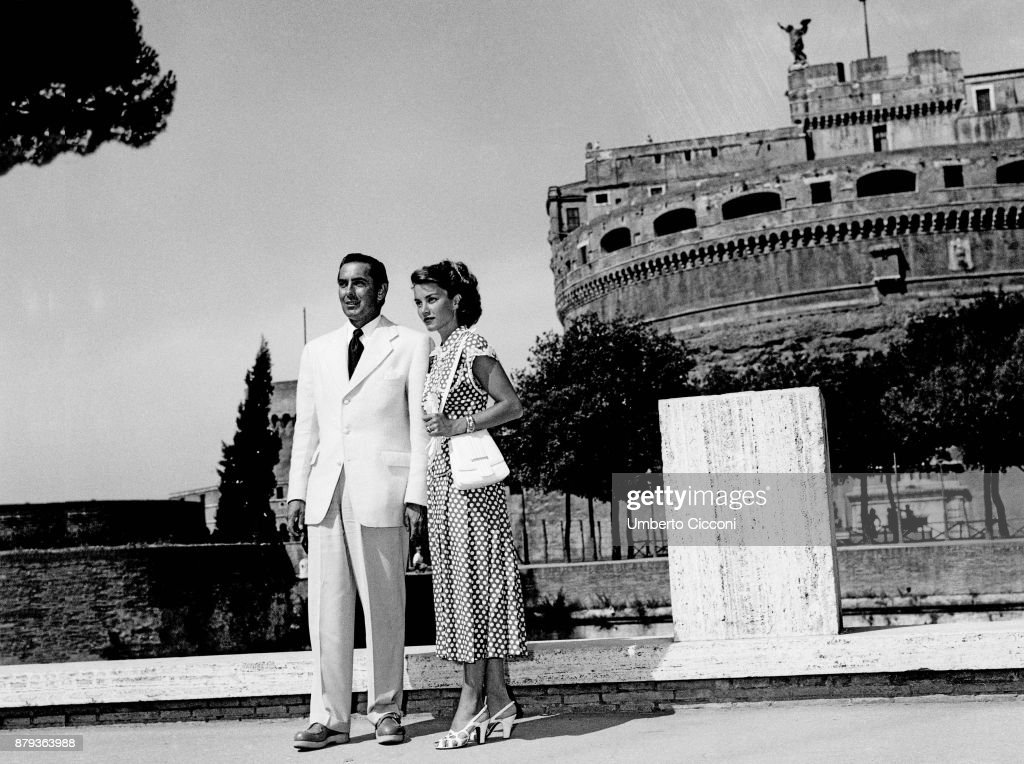 Actor Tyrone Power with actress Linda Christian at Castel Sant'Angelo, Rome 1948.
