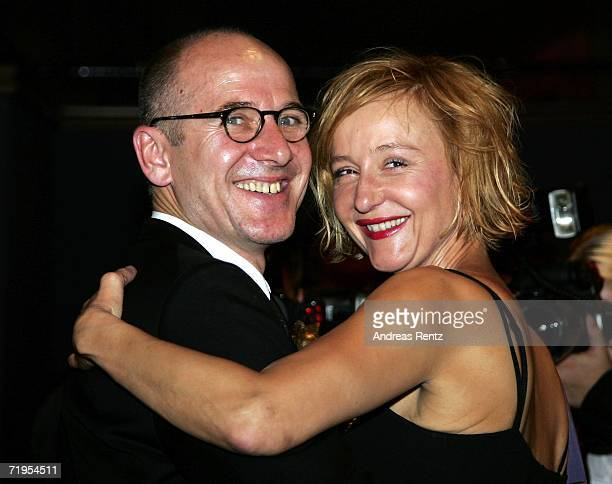 Actor Ulrich Muehe and his wife Susanne Lothar attend the Goldene Henne awards after show party at the Friedrichstadtpalast on September 20 2006 in...