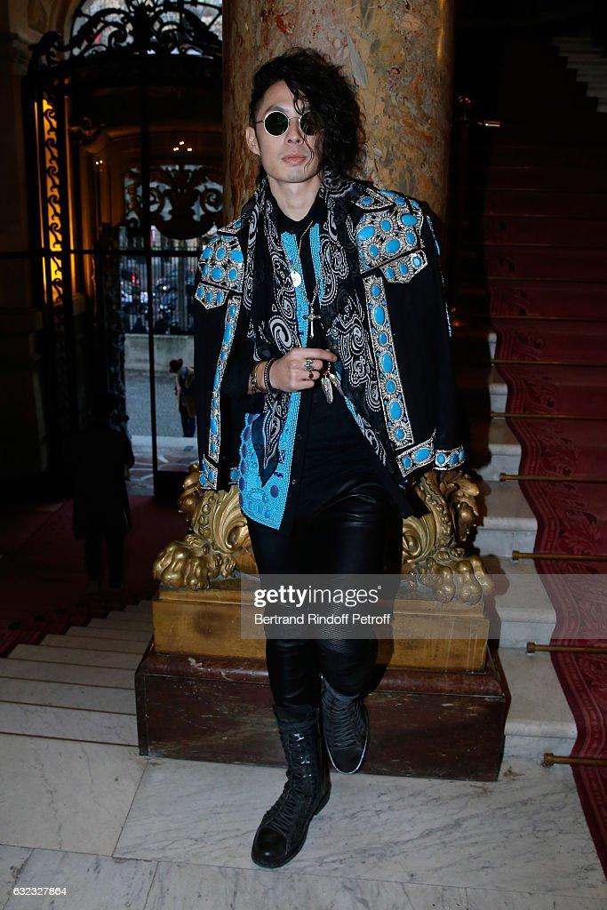 Balmain : Front Row - Paris Fashion Week - Menswear F/W 2017-2018