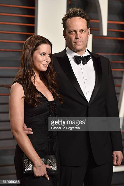 Actor Vince Vaughn and Kyla Weber attend the 2016 Vanity Fair Oscar Party Hosted By Graydon Carter at the Wallis Annenberg Center for the Performing...